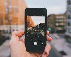 В России готовят законопроект, согласно которому штрафовать водителей можно будет за нарушение, сфотографированное на камеру смартфона