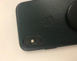 Пользователи iPhone XS и XS Max снова жалуются на трескающееся стекло, прикрывающее камеру