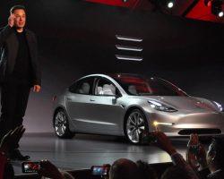Consumer Reports не рекомендует покупать Tesla Model 3 из-за недостатков тормоза, но Маск обещает исправить эту проблему обновлением