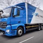 Daimler начинает испытывать электрические грузовики Mercedes eActros