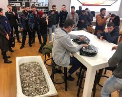 В Москве покупатель оплатил iPhone XS ванной мелочи