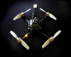 Гоночный квадрокоптер DRL RacerX установил рекорд скорости: 263 км/ч