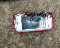 В Индии девушка погибла от взрыва смартфона Nokia
