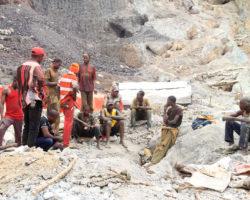 Против Apple, Google, Dell, Microsoft и Tesla подан иск в суд за использование труда детей на кобальтовых шахтах