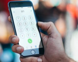 iPhone будет автоматически передавать координаты местонахождения при звонке в службу спасения
