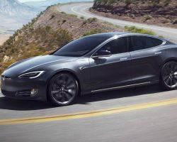 Tesla обновила ассортимент своих электромобилей, убрав некоторые конфигурации