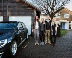 Volvo привлекает к испытаниям своих беспилотных автомобилей реальные семьи