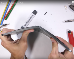 JerryRigEverything легко сломал планшет iPad Pro