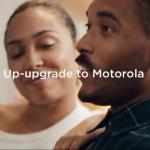 Motorola троллит Samsung в новом рекламном ролике