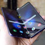Продажи складного смартфона Samsung Galaxy Fold могут стартовать с июля