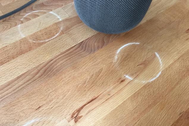 Разумная колонка Apple HomePod портит мебель. ВApple уже признали проблему