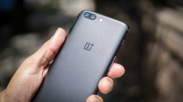 Сбой OnePlus 5 не дает возможность дозвониться вэкстренные службы