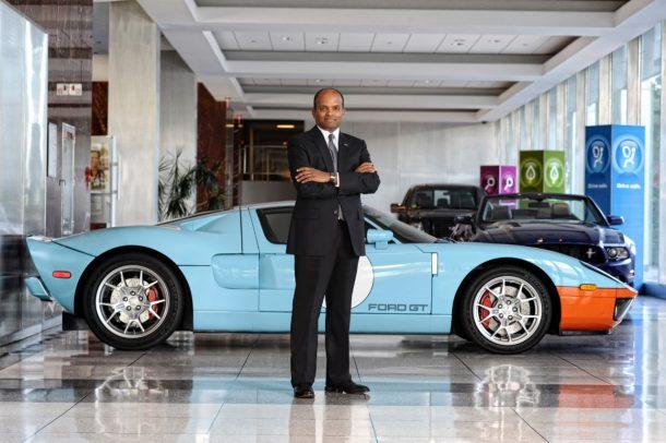 Президента Форд North America сократили занепозволительное поведение