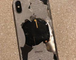 В США смартфон iPhone X взорвался во время установки обновления