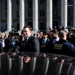 Илон Маск подписал еще одно соглашение с комиссией по ценным бумагам и биржам SEC и не сможет писать твиты о компании Tesla без одобрения юриста