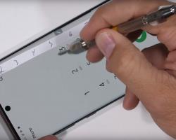 JerryRigEverything проверил на прочность смартфон Samsung Galaxy Note 10+ 5G