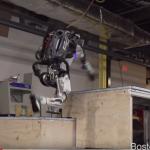 Робот Atlas от Boston Dynamics демонстрирует способности к паркуру