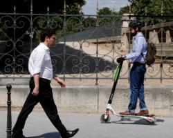 Uber разрабатывает самоуправляемые велосипеды и электроскутеры