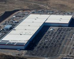 На фабрике Tesla Gigafactory произошел пожар
