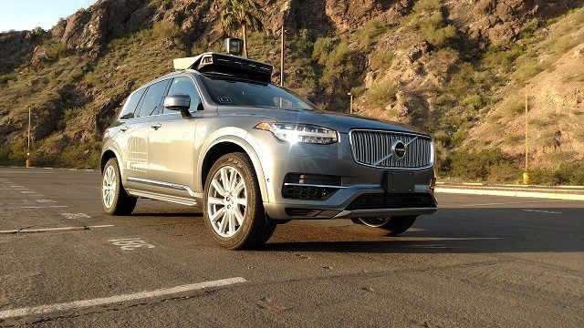 После ДТП вСША Uber приостановил тестирования беспилотных авто