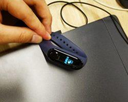 В продажу поступил фитнес-браслет Mi Band 3 с модулем NFC