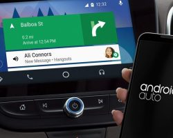 Помощник Google Assistant стал доступен для Android Auto