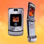 Motorola намекнула, что смартфон Razr может вернуться со сгибающимся дисплеем