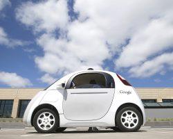 Беспилотный автомобиль Google попал в аварию