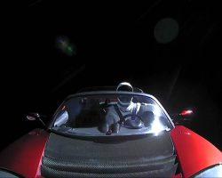 Манекен Tesla Starman совершил первый оборот вокруг солнца