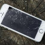 Заменить треснутый экран iPhone будет стоить дороже