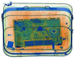 США раздумывает над запретом перевозки ноутбуков в салоне самолета на рейсах из Европы