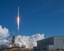 SpaceX запускает секретную космическую миссию под названием «Зума»