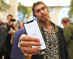 Apple выпустила обновление ОС до версии iOS 11.1.2, которое устранит зависание экрана iPhone X при снижении температуры