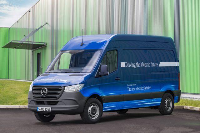 Benz представил обновленный тип Sprinter