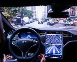 В июне выйдет обновление для ПО автомобилей Tesla Model S и Model X