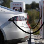 Владельцы электромобилей Tesla больше не смогут бесплатно заряжать свои авто