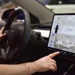 Илон Маск пообещал, что электрокары Tesla будут поддерживать Netflix и YouTube
