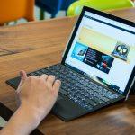 Microsoft будет бесплатно менять планшеты Surface Pro 4 с мерцающим экраном
