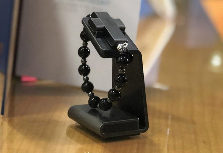 Католическая церковь представила чётки eRosary с умным крестом