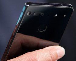 Энди Рубин объявил, что отгрузки смартфонов Essential начнутся только через «несколько недель»