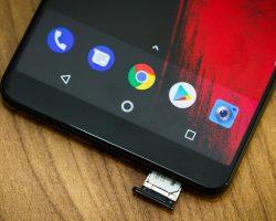 Производитель выпустил обновление для Essential Phone, которое защитит пользователей от уязвимостей Meltdown и Spectre