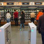 Amazon рассматривает возможность размещения магазинов без касс в аэропортах