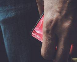 Создатель Android поделился фотографией своего нового смартфона