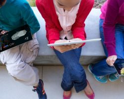 Министр Великобритании хочет чтобы в школах меньше использовали планшеты