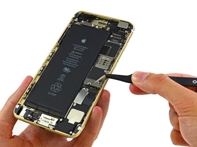 Apple будет бороться против законопректа согласно которому ремонтировать iPhone сможет любой желающий