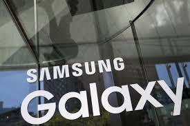 Виртуальный помощник Galaxy S8 будет говорить и мужским и женским голосом