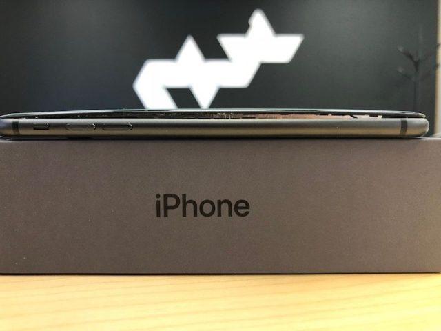 ВiPhone 8 вздувается аккумулятор