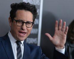 Apple конкурирует с HBO в получении прав на новый сериал от Джей Джей Абрамса