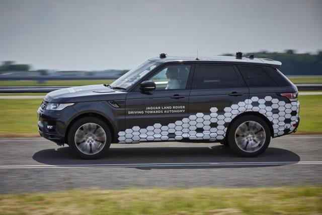 ВСоединенном Королевстве начались первые тестирования беспилотных машин Ягуар иRange Rover