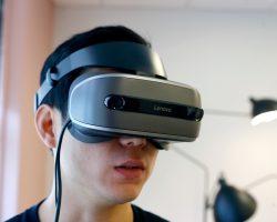 Lenovo представила гарнитуру смешанной реальности Explorer